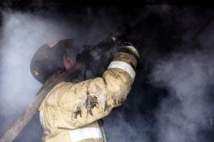 Пожар в гараже произошел ночью в поселке Маяк