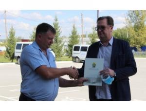 Глава Искитима Сергей Завражин поздравил сотрудников ветеринарной службы с профессиональным праздником