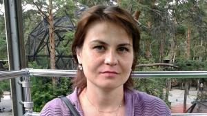 Женщина с бордовой сумкой пропала в Новосибирской области