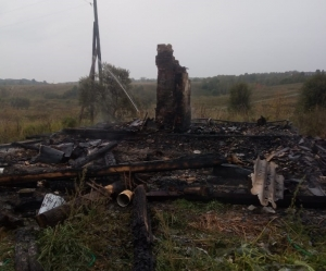 Два человека погибли на пожаре в Искитимском районе