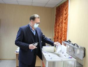 Начали работу все участковые комиссии Искитима. Нарушений в ходе голосования пока не зарегистрировано.