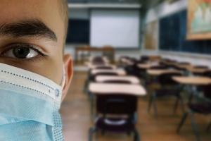 Коронавирус обнаружили у 14 студентов четырех новосибирских вузов. Рассказываем каких