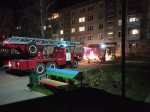 Тамбур загорелся в одном из многоэтажных жилых домов в Искитиме
