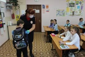 Сотрудники Госавтоинспекции Искитимского района проводят профилактические мероприятия «Осенние каникулы» с учащимися образовательных организаций