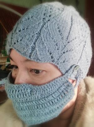 Зимние маски от коронавируса вяжет жительница Искитима