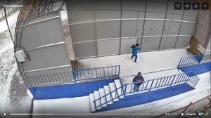 Юные вандалы из р.п. Линево попали на видео, когда громили эстраду в местном парке