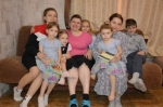 Знаком отличия «За материнскую доблесть» удостоена многодетная мать из р.п. Линево Елена Пустовалова