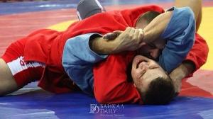 Искитимский спортсмен Василий Таранов завоевал серебро чемпионата Сибири по самбо