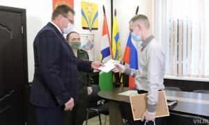 Призывник из Искитимского района Артем Ляпустин отправится служить в Президентский полк