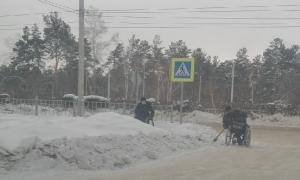 Искитимская прокуратура проверит сообщение СМИ о том, что инвалиды-колясочники вынуждены чистить улицы Искитима
