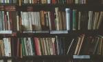 Руками, но в перчатках: книги в библиотеках разрешили выбирать самостоятельно