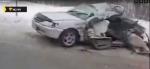 В рубашке родился водитель легкового автомобиля, попавшего под грузовик на федеральной трассе