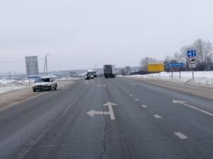 Попытка перейти трассу в неположенном месте закончилась аварией в Искитимском районе
