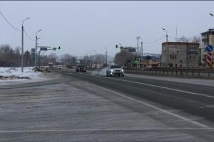 Нарушая правила дорожного движения выезжают на трассу пассажирские автобусы со стороны НЗИВа