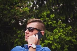 Звонят и сбрасывают: никогда не перезванивайте в ответ - можете потерять деньги