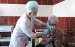 Более двухсот жителей р.п. Линево и окрестных деревень уже поставили прививку от коронавируса