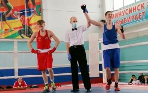 Четыре боя - четыре победы Ивана Ходырева