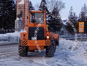 12 дополнительных единиц техники вышли на уборку улиц Искитима от снега