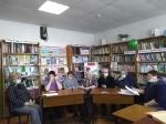 В Шибковской сельской библиотеке собрались люди старшего поколения на час поэзии «Строки, опаленные войной»