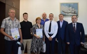 Глава Искитимского района Юрий Саблин вручил родителям призывников Благодарственные письма