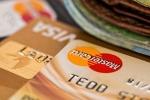 Ранее судимые жители р.п. Линево и Бердска воровали деньги с банковских карт